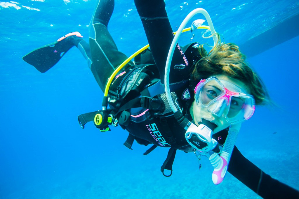 female-women-scuba-diver-hawaii