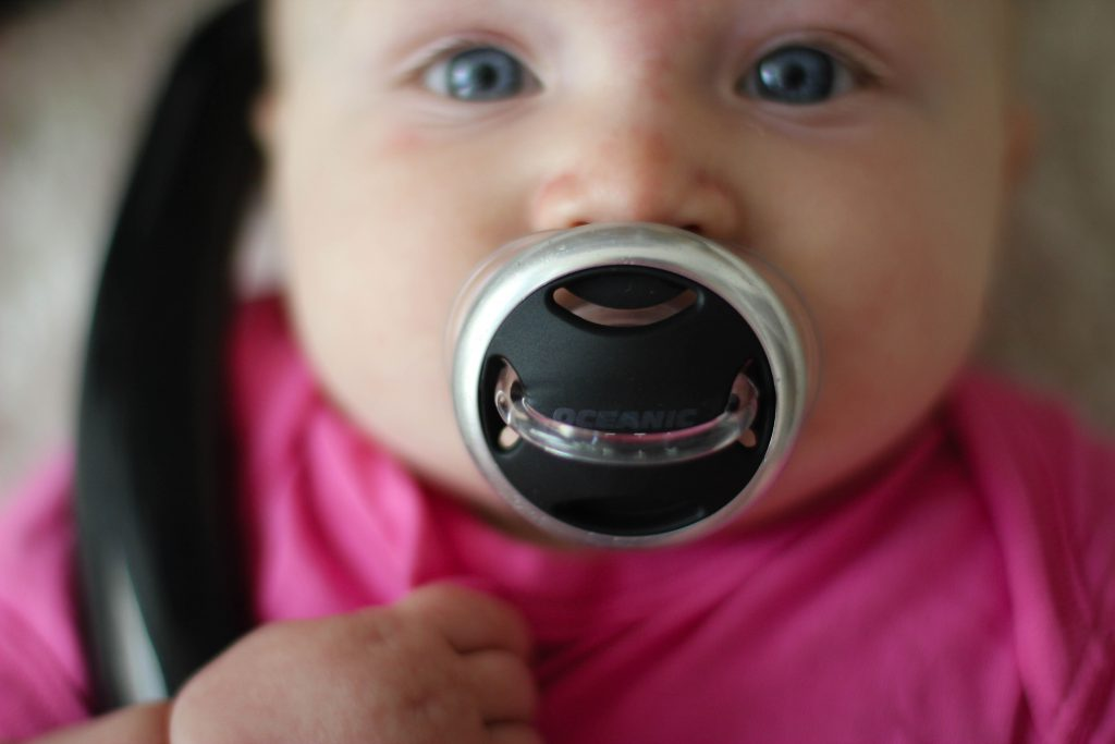 FutureDivers - baby pacifier regulator