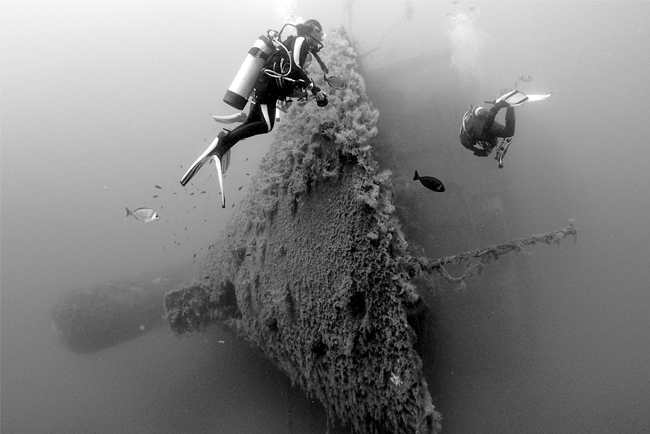 Underwater world - Wreck diving