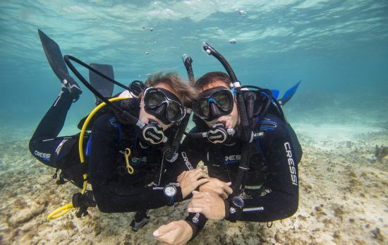 10 reasons to date a diver