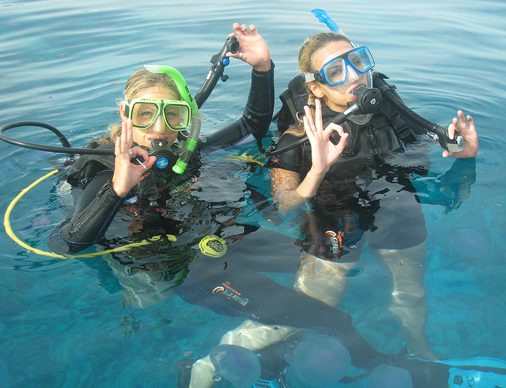 Ladies Diving at Camel Dive Club