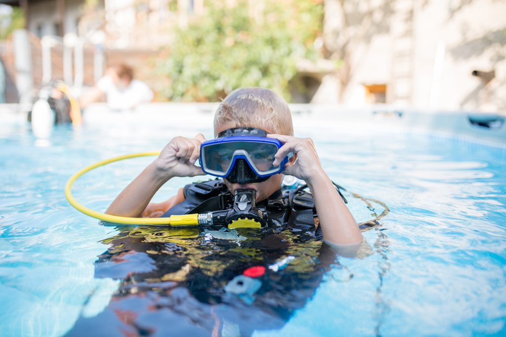 Choosing dive gear for children - Mask shutterstock_307950224