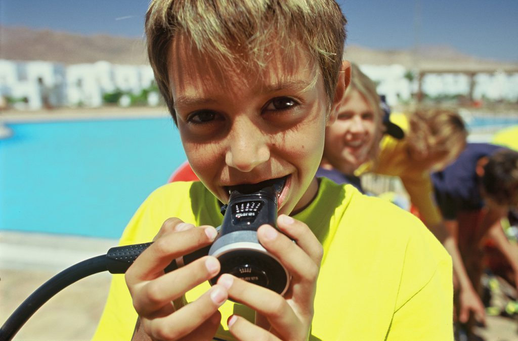 Choosing dive gear for children - regulator